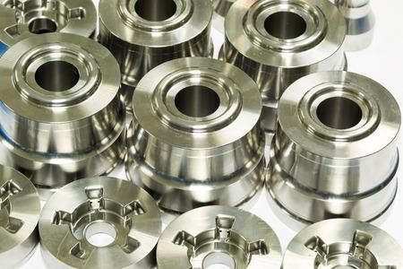 Photo pour operator inspection dimension of high precision cnc turning parts - image libre de droit
