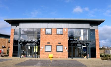 Photo pour Modern office building for rent or let - image libre de droit