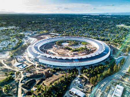 Foto de Aerial photo of Apple new campus under construction in Cupetino - Imagen libre de derechos