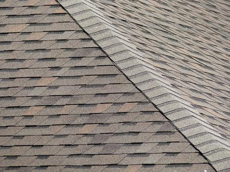 Photo pour Roof shingles - image libre de droit