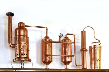 Foto de Alembic Copper - Distillation apparatus employed for the distillation of alcohol  Small model - Imagen libre de derechos