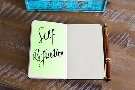 Photo pour Handwritten Text Self Reflection - image libre de droit