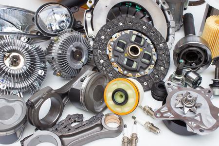 Photo pour Group automobile engine parts isolated on white background - image libre de droit