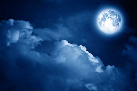 Photo pour magic moon in the night sky - image libre de droit
