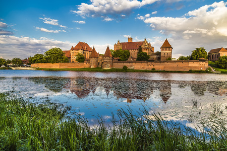 Photo pour Marienburg Castle is one of the world's largest brick castles, serving as the residence of the masters of the Teutonic Order - image libre de droit