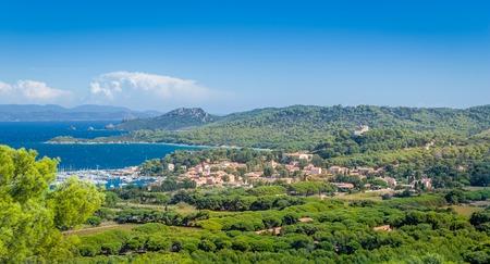 Foto de Old town and marina of Porquerolles island. - Imagen libre de derechos