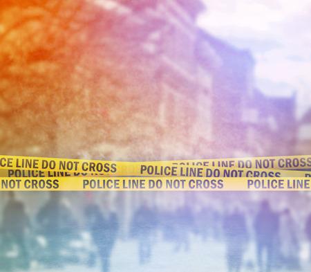 Photo pour Police Line Do Not Cross Yellow Headband Tape, Crime Scene on the Street - image libre de droit