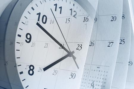 Photo pour Clock face and calendar pages - image libre de droit