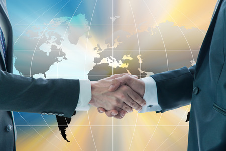 Photo pour Business handshake, business globalization concept - image libre de droit
