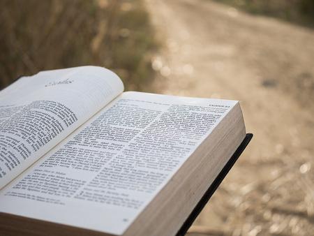 Photo pour Text in holy bible book - image libre de droit
