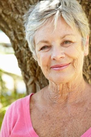 Photo pour Portrait of senior woman - image libre de droit
