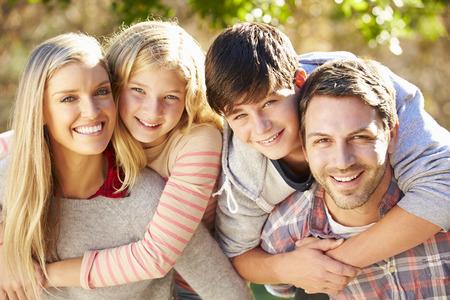 Photo pour Portrait Of Hispanic Family In Countryside - image libre de droit