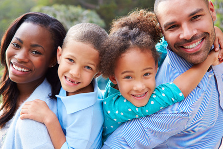Photo pour Portrait Of African American Family In Countryside - image libre de droit