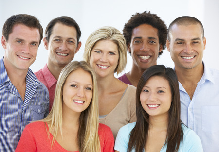 Photo pour Group Of Happy And Positive Business People In Casual Dress - image libre de droit