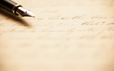 Photo pour Fountain pen on an antique handwritten letter - image libre de droit