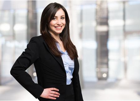 Foto de Portrait of a beautiful smiling businesswoman - Imagen libre de derechos