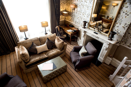 Photo pour Luxury living room with modern furniture - image libre de droit