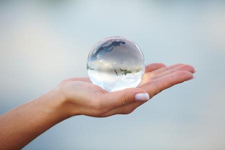 Foto de Crystal ball on hand - Imagen libre de derechos