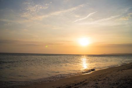 Photo pour sunset over sea - image libre de droit