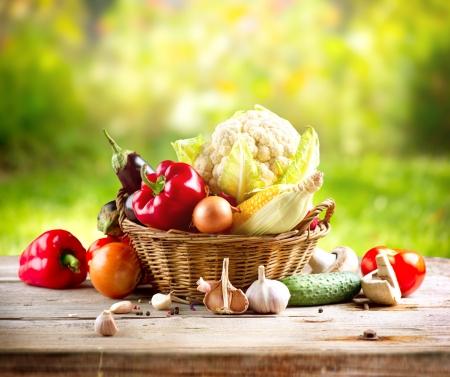 Photo pour Organic Vegetables  - image libre de droit