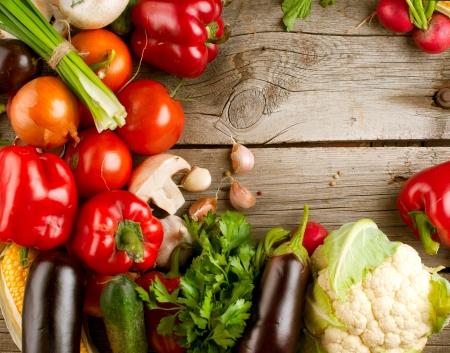 Photo pour Healthy Organic Vegetables on the Wooden Background - image libre de droit