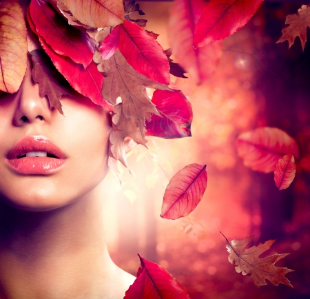 Photo pour Autumn Woman Fashion Portrait  Fall  - image libre de droit