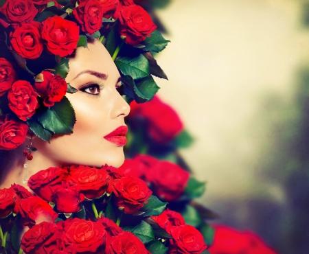 Photo pour Beauty Fashion Model Girl Portrait with Red Roses Hairstyle  - image libre de droit