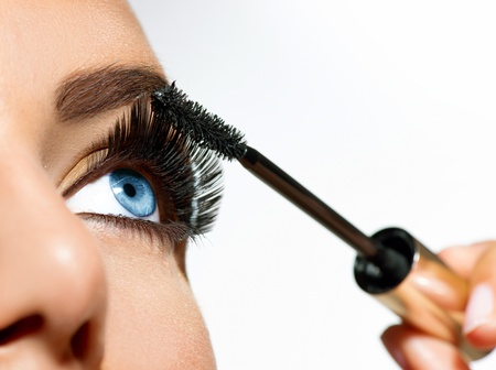 Photo pour Mascara Applying  Long Lashes closeup  - image libre de droit