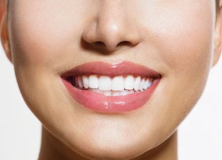 Photo pour Healthy Smile  Teeth Whitening  Smiling Young Woman - image libre de droit