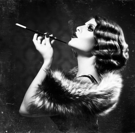 Photo pour Smoking Retro Woman  Vintage Styled Black and White Photo - image libre de droit