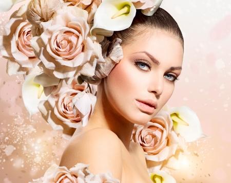 Photo pour Fashion Beauty Model Girl with Flowers Hair  Bride  - image libre de droit