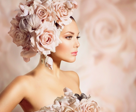 Photo pour Fashion Beauty Model Girl with Flowers Hair  Bride  - image libre de droit