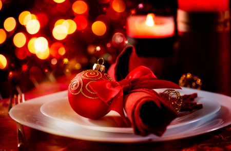 Foto de Christmas And New Year Holiday Table Setting  Celebration  - Imagen libre de derechos