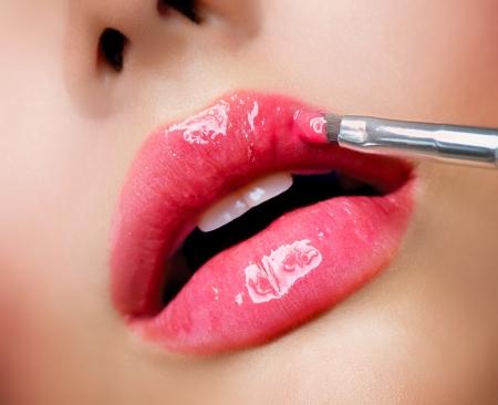 Photo pour Professional Make-up  Lipgloss  Lipstick - image libre de droit