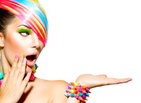 Photo pour Beauty Woman with Colorful Makeup, Hair, Nails and Accessories - image libre de droit