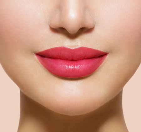 Photo pour Beautiful Perfect Lips  Sexy Mouth Closeup - image libre de droit