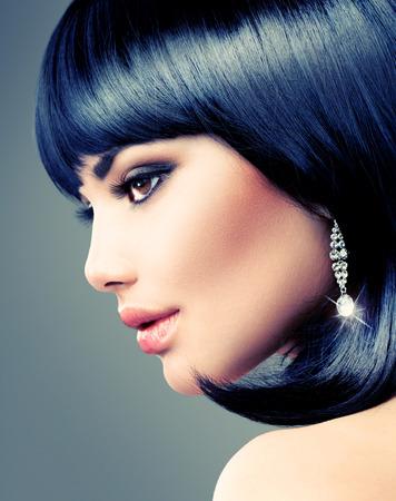 Photo pour Beautiful Brunette Woman  Bob Haircut  Short hair - image libre de droit