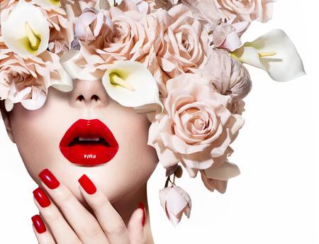 Photo pour Fashion sexy woman  Vogue style model girl face with roses - image libre de droit