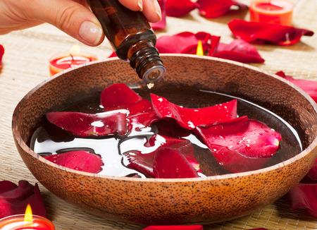 Foto de Aromatherapy. Essence oil. Spa treatment - Imagen libre de derechos