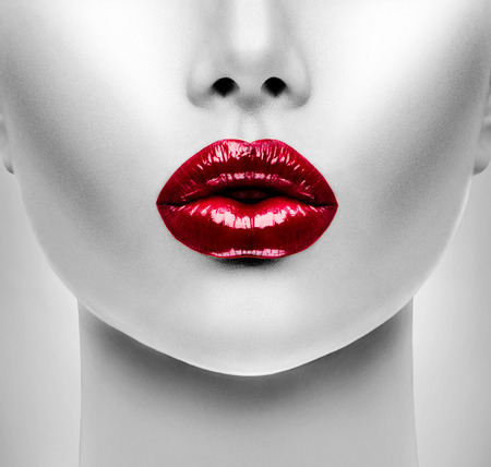 Photo pour Sexy Red Lips. Beauty Model Woman\\ - image libre de droit