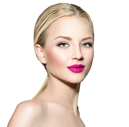 Photo pour Beautiful woman with blond straight hair - image libre de droit