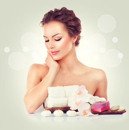 Photo pour Beauty spa woman touching her soft skin - image libre de droit