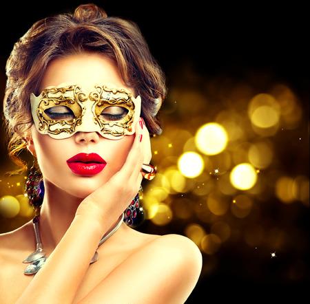 Photo pour Beauty model woman wearing venetian masquerade carnival mask at party - image libre de droit