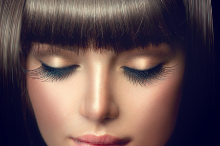 Photo pour Beauty girl portrait. Professional makeup, long eyelashes - image libre de droit