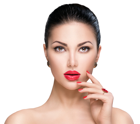 Photo pour Beautiful woman with red lipstick and red nails - image libre de droit