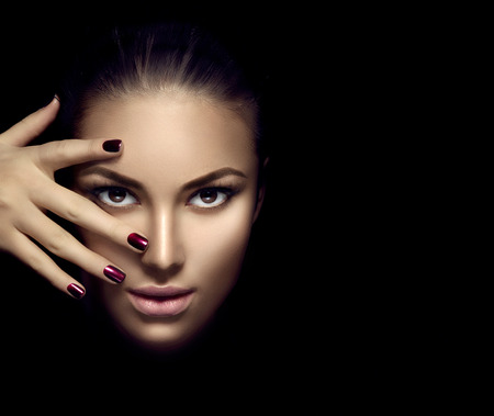 Foto für Fashion model girl face, beauty woman makeup and manicure over dark background - Lizenzfreies Bild