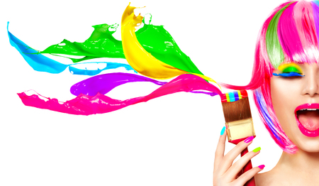 Photo pour Dyed hair humor concept. Beauty model woman painting her hair in colourful bright colors - image libre de droit