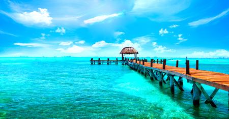 Photo pour Exotic Caribbean paradise. Travel, tourism or vacations concept. Tropical beach resort - image libre de droit