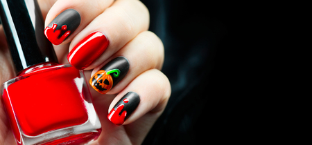 Foto de Halloween holiday manicure design ideas. Halloween nail art - Imagen libre de derechos