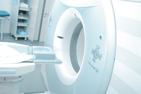 Foto de MRI machine in modern hospital ready to start - Imagen libre de derechos